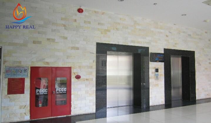 hệ thống 2 thang máy và thang bộ