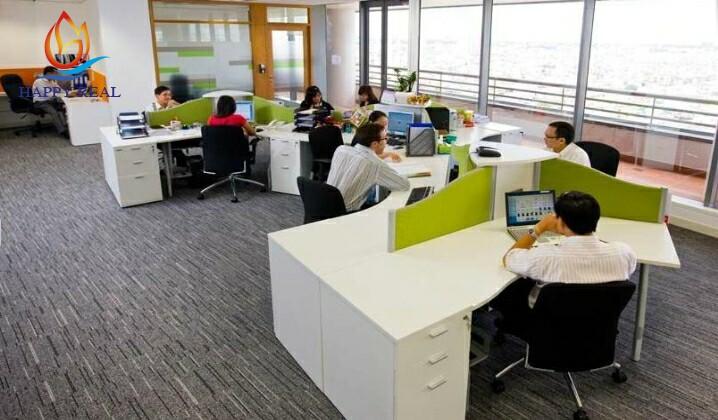 Một văn phòng làm việc bên trong tại Centre Point