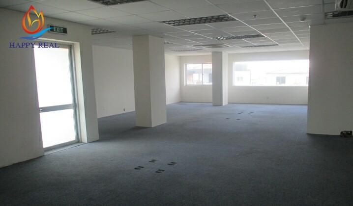 Diện tích trống tầng 2 của tòa nhà