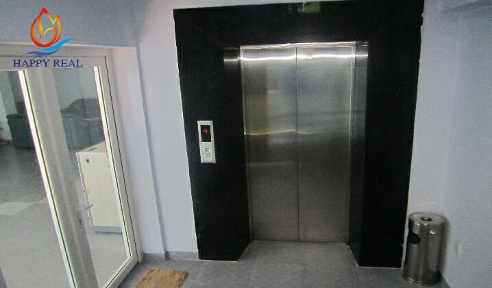 Hệ thống thang máy